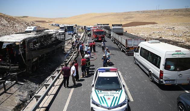 Şanlıurfa'da yolcu otobüsünde çıkan yangında 22 yaralı