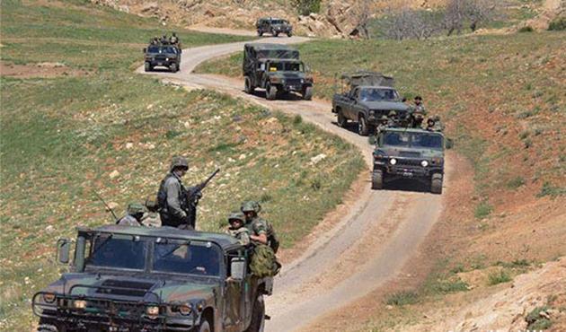 Lübnan ordusu Suriye sınırında operasyon hazırlığında