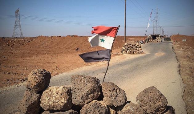 Suriye'de muhaliflerin üssüne intihar saldırısı, 25 ölü