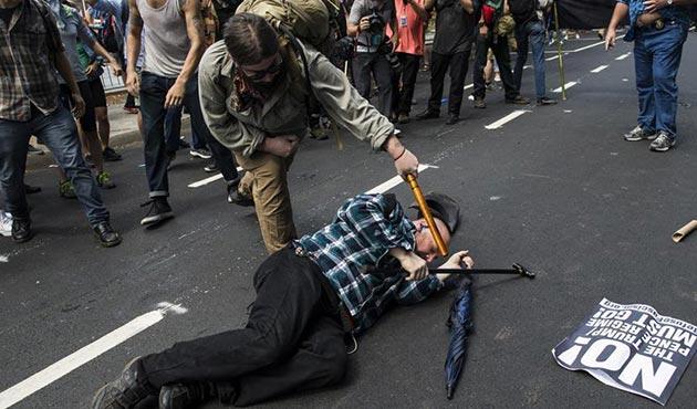 ABD'de ırkçıların gösterisi sonrası OHAL ilan edildi | FOTO