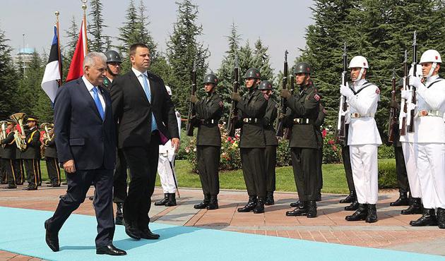 Estonya Başbakanı Ratas'a Çankaya'da resmi tören