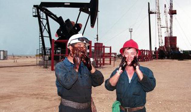 Kazakistan 6 ayda 7,3 milyon ton petrol rafine etti