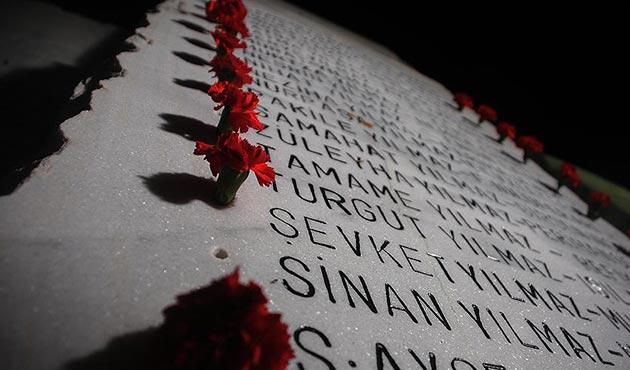 Büyük Marmara Depremi'nde hayatını kaybedenler dualarla anıldı