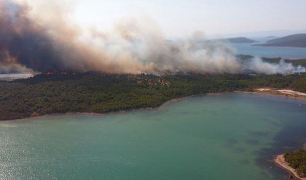 Ayvalık Şeytan Sofrası'ndaki yangın kontrol altında