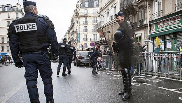 Paris'te bomba yapımında kullanılan malzemeler bulundu