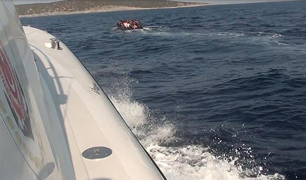 Ege Denizi'nde 420 kaçak göçmen yakalandı