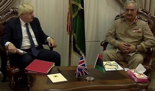 İngiltere Dışişleri Bakanı'ndan Kaddafi yorumu