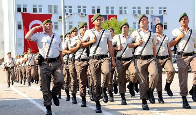 Uzman jandarmaların mecburi hizmeti süresi uzatıldı