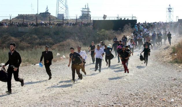 Suriyeliler koşarak memleketlerine gitti