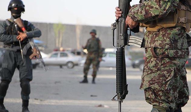 Afganistan'da bombalı intihar saldırısı: 13 ölü