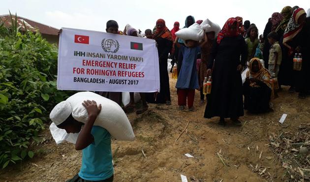 İHH Myanmar'a yardıma başladı