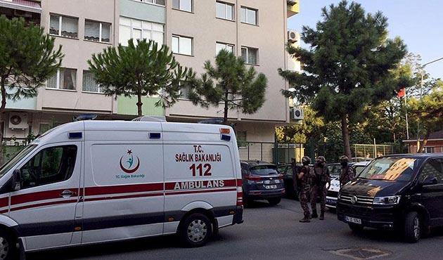 Ataköy'de binadan parka ateş açıldı: 2 yaralı