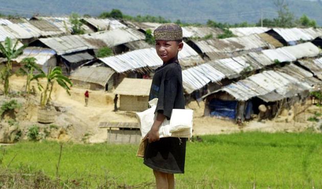 Çavuşoğlu, Arakanlı Müslümanlar için Bangladeş'e gidecek