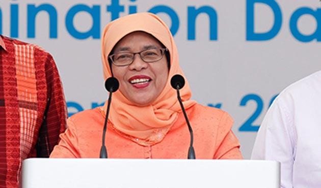 Singapur'a ilk kadın cumhurbaşkanı