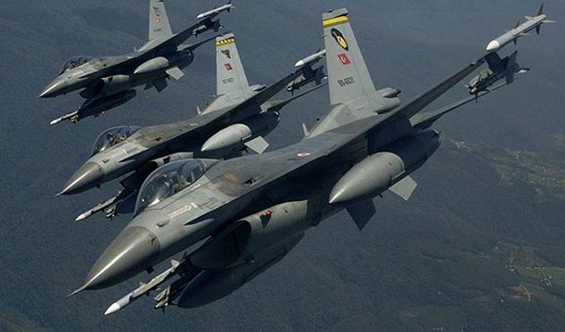 Çukurca'da İHA'nın tespit ettiği PKK'lılara hava harekatı