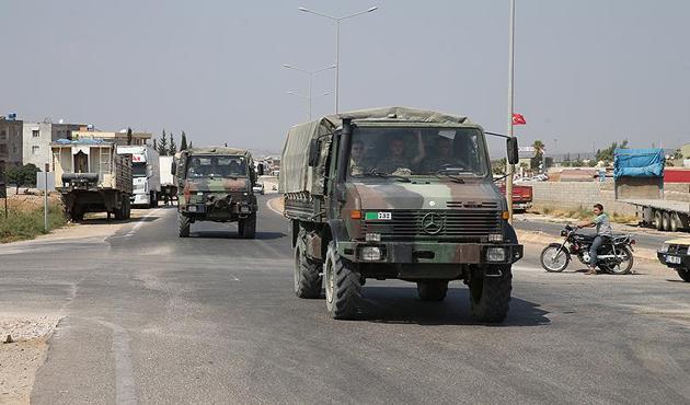 Komando birlikleri Suriye sınırında