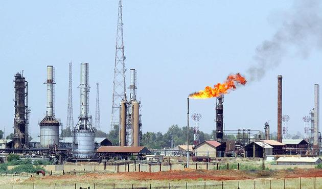 İran, Kuzey Irak'tan petrol nakliyatını yasakladı