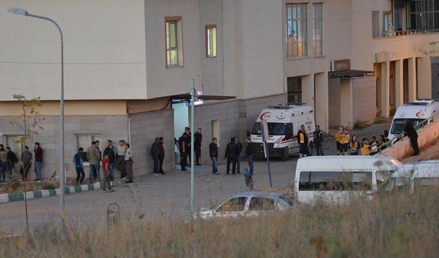 Hakkari'de EYP patladı: 2 asker şehit