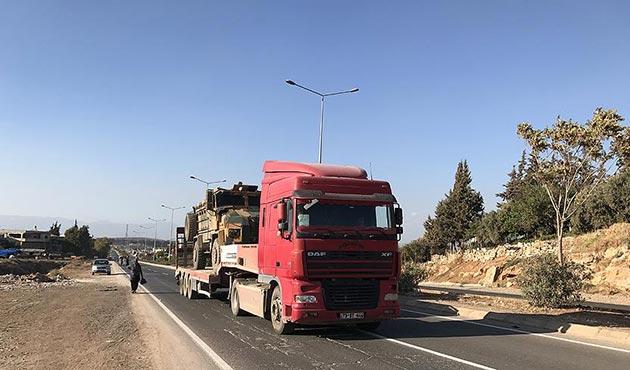 Konteynerler ve zırhlı personel taşıyıcılar sınıra ulaştı