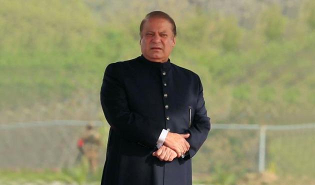 Eski Pakistan Başbakanı Şerif partisinin başına döndü