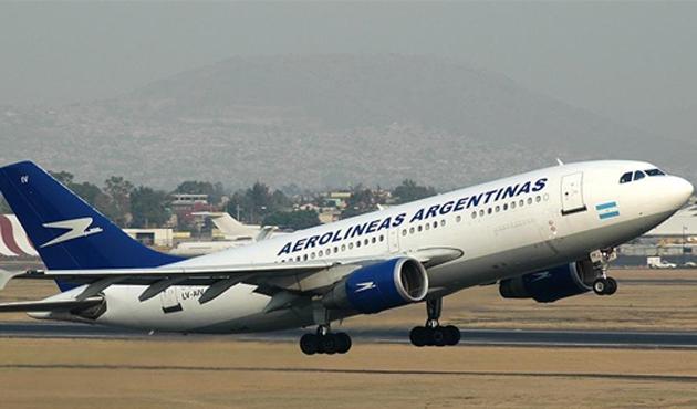 Arjantin Havayolları Venezuela'ya uçak seferlerini askıya aldı