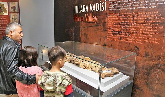 Aksaray'daki mumyalara ziyaretçi ilgisi