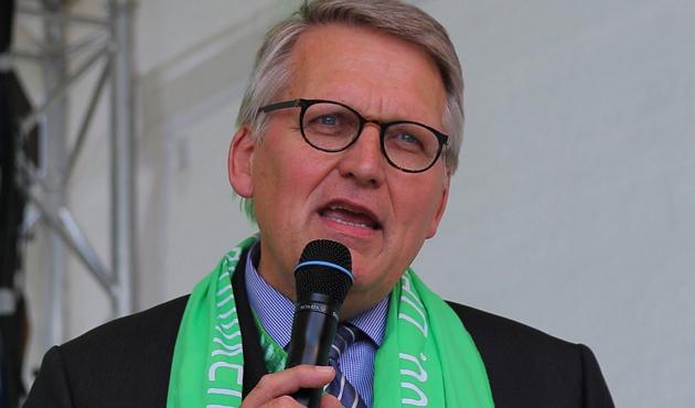 Almanya'da Müslümanlar için tatil gününe destek