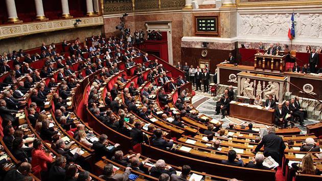 Fransa'da terörle mücadele tasarısı yasalaştı