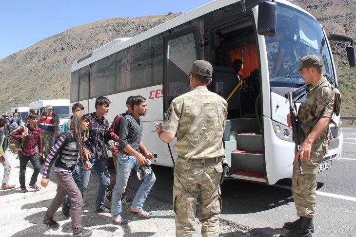 Erzincan'da 74 kaçak yakalandı