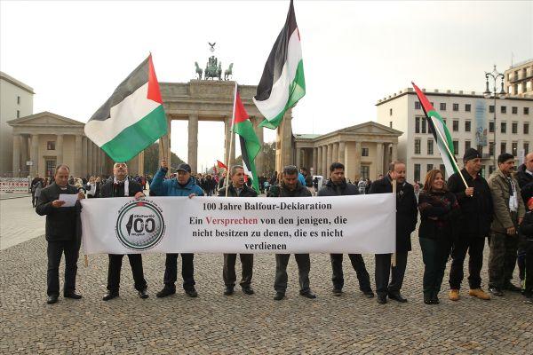 Almanya'da Balfour Deklarasyonu protestosu
