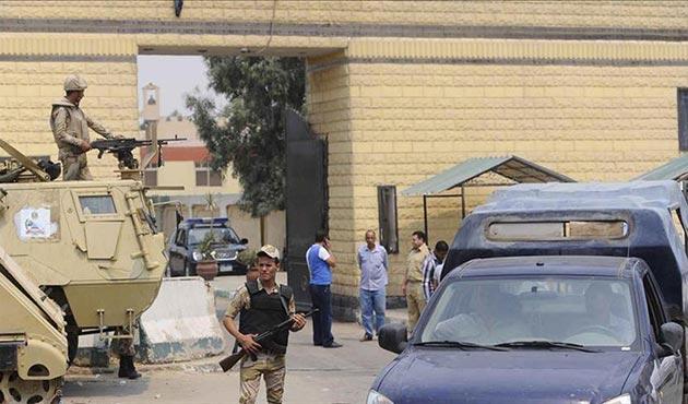 Mısır'da askeri araca saldırı: 2'si rütbeli 7 asker öldü