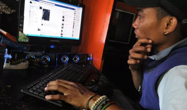 Endonezya uygunsuz internet içeriklerine karşı denetimi artırıyor