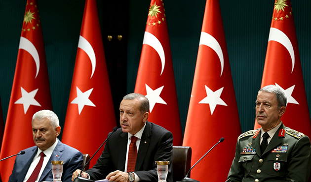 Erdoğan, Başbakan ve Akar ile biraraya geldi
