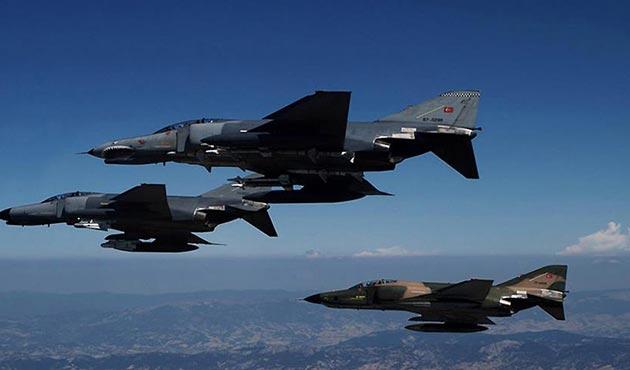 Zap bölgesinde saldırı hazırlığındaki PKK'lılara hava harekatı