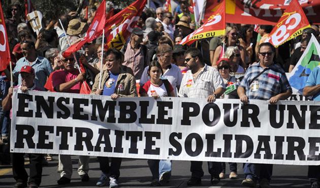 Fransa'da grev hayatı olumsuz etkiledi