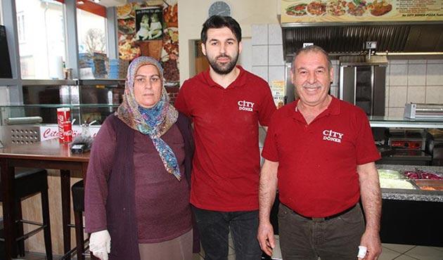 Almanya'da Türk dönerci kahraman ilan edildi