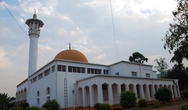 Ruanda yönetimi 6 bin ibadethaneyi kapatacak