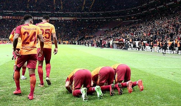 Galatasaraylı üç futbolcunun bu secdesi Kudüs için
