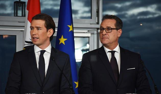Avusturya'da aşırı sağ hükümet kuruldu