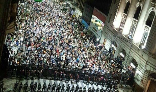 Arjantin'de emekli maaşlarında indirim önerisi