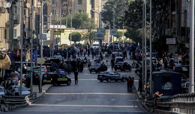 Mısır'da kiliseye silahlı saldırı: Ölü ve yaralılar var