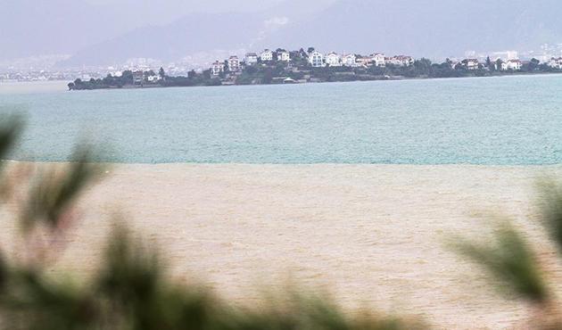 Fethiye'de denizin rengi değişti