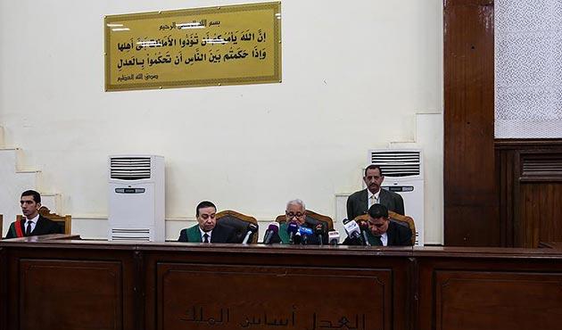 Mısır'da darbe karşıtı 51 kişiye on beşer yıl hapis cezası