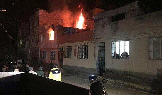 Suriye tarafından atılan 3 roket Kilis'e düştü