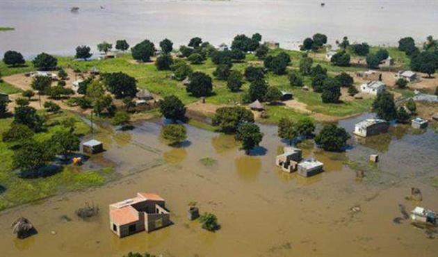 Mozambik'te sel: 9 kişi öldü, 14 bin ev yıkıldı