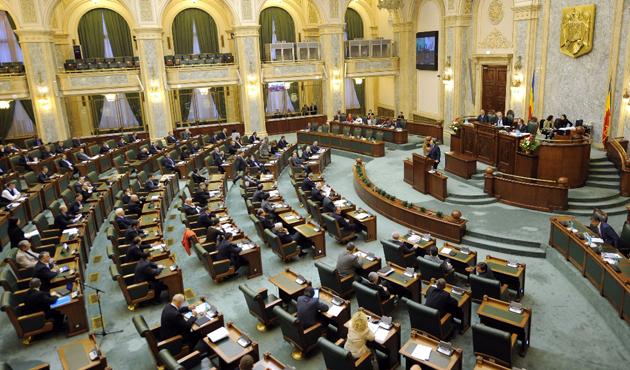 AB Romanya'daki yargı reformundan endişeli