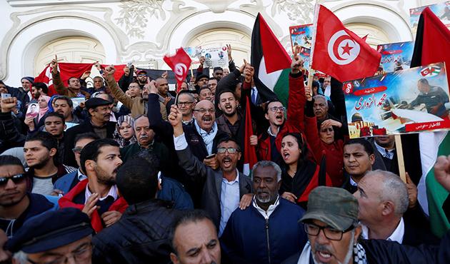 Tunus'ta mühendisler grevde