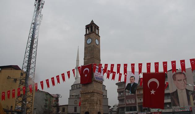 Bitlis'te 'Selahaddin Eyyubi Saat Kulesi' yaptırıldı