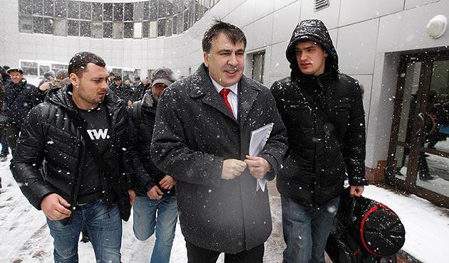 Saakaşvili geceleri ev hapsinde olacak