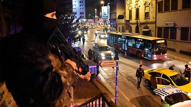 İstanbul'da 39 ilçede, bin 200 polisli 'Yeditepe Huzur' uygulaması